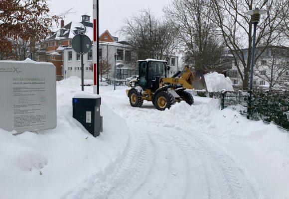 Massiver Schneefall sorgt für Behinderungen